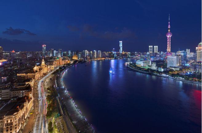 昕诺飞LED产品及Interact品牌物联网平台助力上海外滩灯光改造制版机